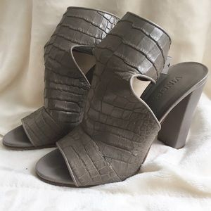 Vince peep toe croc gray heels 7